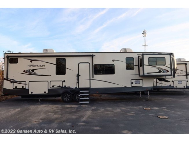 2021 Forest River Wildwood Heritage Glen Luxury 36FL - New Fifth Wheel For Sale by Gansen Auto & RV Sales, Inc. in Riceville, Iowa