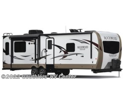 #RGG82176 - 2018 Forest River Rockwood Signature Ultra Lite 8335BSS