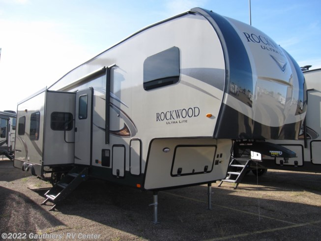 <span style='text-decoration:line-through;'>2019 Forest River Rockwood Ultra Lite 2892RBC</span>