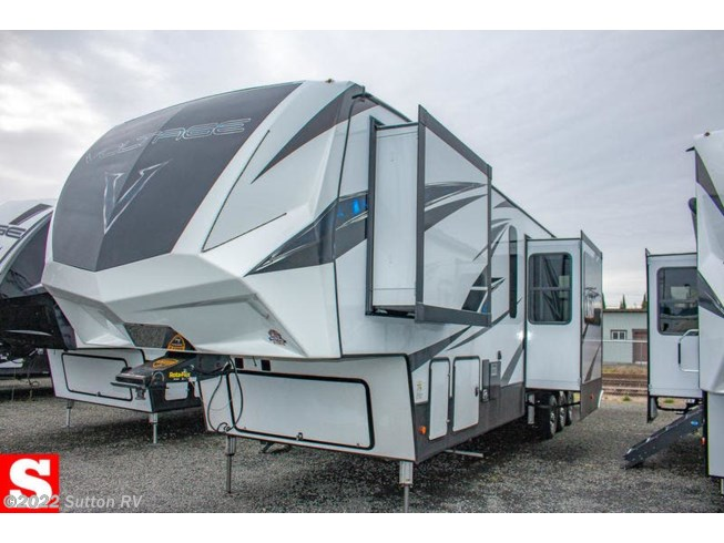New 2019 Dutchmen Voltage 4185 available in Eugene, Oregon