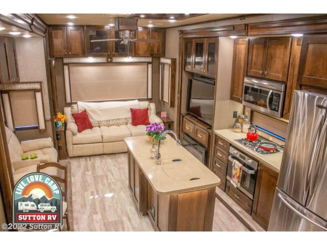 2019 Vilano 370 GB by Vanleigh from Sutton RV in Eugene, Oregon