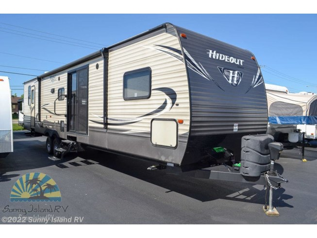 Used 2017 Keystone 38FQTS available in Rockford, Illinois