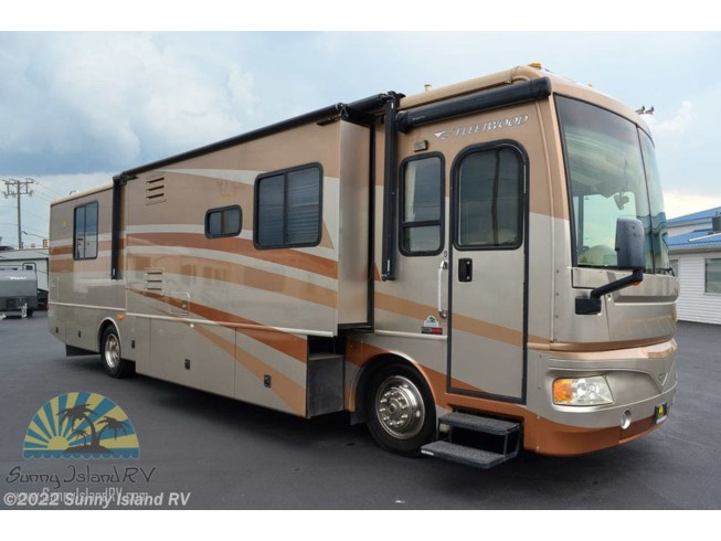 Used 2006 Fleetwood 38N available in Rockford, Illinois