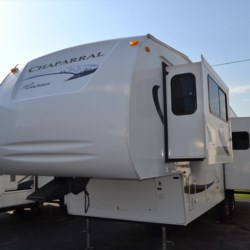2008 Coachmen Chaparral 277DS  - Fifth Wheel Used  in Smyrna DE For Sale by Delmarva RV Center in Smyrna call 302-212-4414 today for more info.