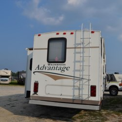 2005 Fleetwood Wilderness Advantage 295 2TBS  - Fifth Wheel Used  in Seaford DE For Sale by Delmarva RV Center in Seaford call 302-212-4392 today for more info.
