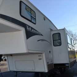 Delmarva RV Center 2004 Titanium 2830  Fifth Wheel by Glendale RV | Milford, Delaware