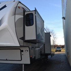 Delmarva RV Center 2019 Chaparral 298RLS  Fifth Wheel by Coachmen | Milford, Delaware