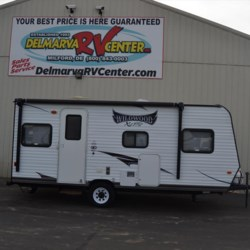 Used 2015 Forest River Wildwood X-Lite FSX 205 For Sale by Delmarva RV Center available in Milford, Delaware