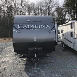 2017 Coachmen Catalina 323BHDS  - Travel Trailer Used  in Seaford DE For Sale by Delmarva RV Center in Seaford call 302-629-3606 today for more info.