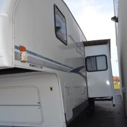 Delmarva RV Center 2004 Terry Quantum 295 2BS  Fifth Wheel by Fleetwood | Milford, Delaware