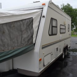 Delmarva RV Center 2003 Shamrock 21  Expandable Trailer by Forest River | Milford, Delaware