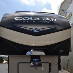2019 Keystone Cougar Half-Ton 32BHS  - Fifth Wheel New  in Seaford DE For Sale by Delmarva RV Center in Seaford call 302-212-4392 today for more info.