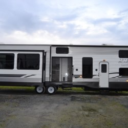 New 2019 Forest River Wildwood Lodge 42DL For Sale by Delmarva RV Center in Seaford available in Seaford, Delaware
