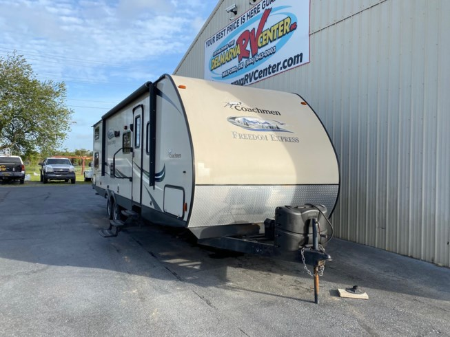 2016 Coachmen Freedom Express 29SE - Used Travel Trailer For Sale by Delmarva RV Center in Milford, Delaware