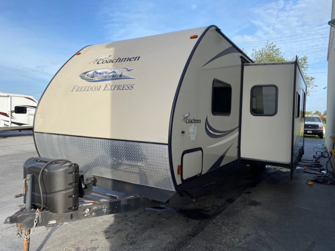 Used 2016 Coachmen Freedom Express 29SE available in Milford, Delaware