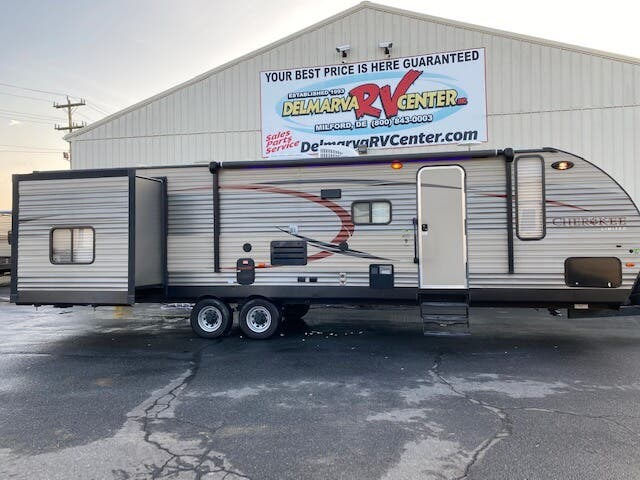 View all images for 2016 Forest River Cherokee 304BS