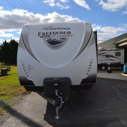 New 2017 Coachmen Freedom Express Liberty Edition 322RLDSLE For Sale by Delmarva RV Center in Seaford available in Seaford, Delaware