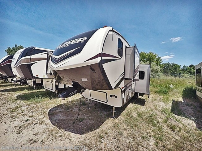 2018 CrossRoads Cruiser Aire 30MD - New Fifth Wheel For Sale by Gillettes Interstate RV    ~    Text/Call    ~  517-604-1908 in East Lansing, Michigan