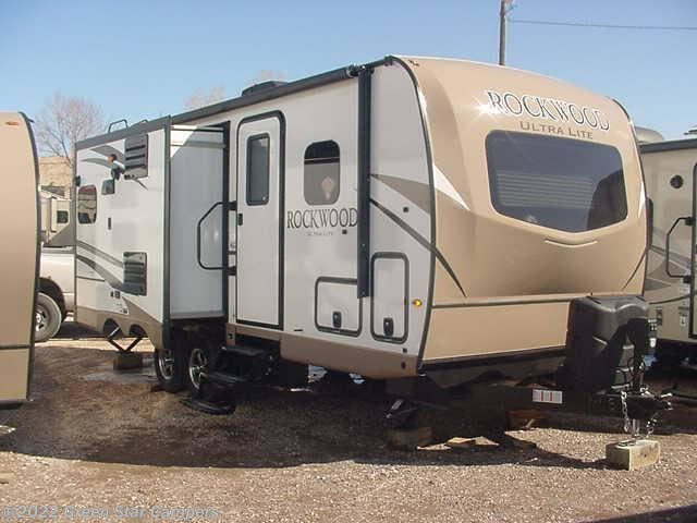 5715 - 2018 Forest River Rockwood Ultra Lite 2304DS for sale in ...