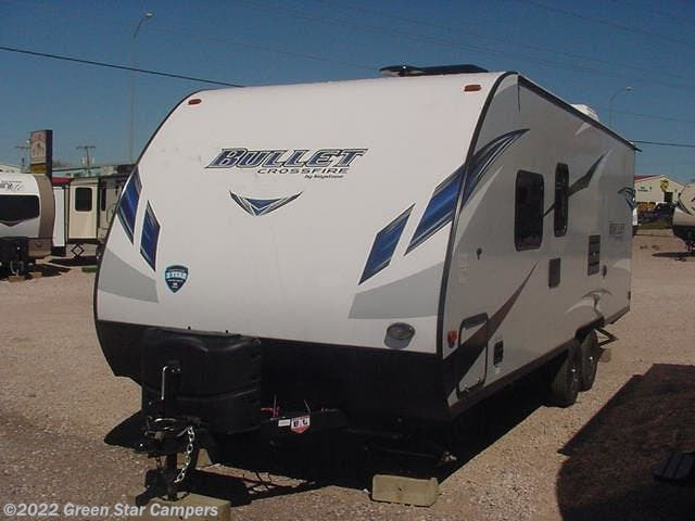 2019 Keystone Bullet Ultra Lite 2200BH Bunkhouse - New Travel Trailer For Sale by Green Star Campers in Rapid City, South Dakota features 30 Amp Service, Air Conditioning, AM/FM/CD, Bluetooth Stereo, Bunk Beds, CO Detector, Exterior Speakers, External Shower, Fire Extinguisher, Furnace, LED Lights, Microwave, Murphy Bed, Power Awning, Refrigerator, Smoke Detector, Spare Tire Kit, Stabilizer Jacks, Tinted Windows, TV Antenna, Water Heater