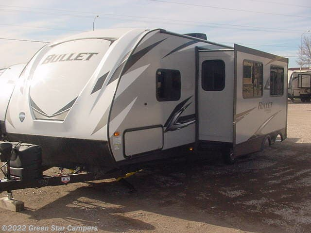 2020 Keystone Bullet 273BHS - New Travel Trailer For Sale by Green Star Campers in Rapid City, South Dakota features Shower, Pass Thru Storage, Skylight, Power Hitch Jack, Luggage Rack