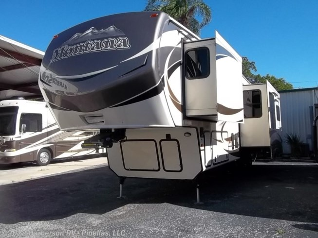Used 2015 Keystone Montana 3160RL available in Clearwater, Florida