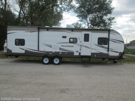 New 2016 Forest River Wildwood 30QBSS For Sale by House of Camping available in Bridgeview, Illinois
