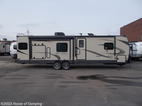 New 2019 Forest River Rockwood Ultra Lite 2906RSD For Sale by House of Camping available in Bridgeview, Illinois