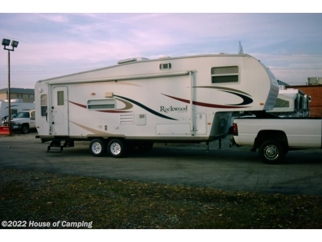 Used 2006 Forest River Rockwood Signature Ultra Lite 8283SS available in Bridgeview, Illinois