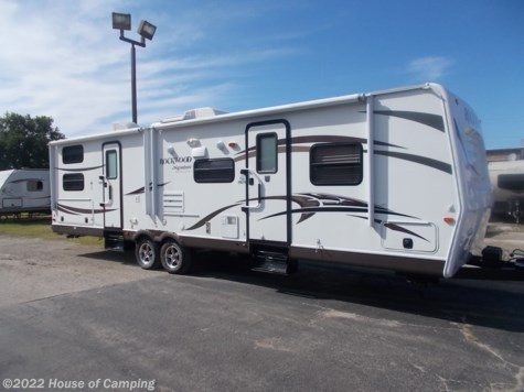 Used 2014 Forest River Rockwood Signature Ultra Lite 8311SS For Sale by House of Camping available in Bridgeview, Illinois