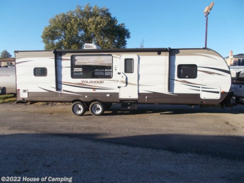 Used 2017 Forest River Wildwood 27RKSS For Sale by House of Camping available in Bridgeview, Illinois