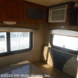 HW Motor Homes, Inc. 2016 Idea i 19 QBH  -  2.0  Travel Trailer by Travel Lite | Canton, Michigan