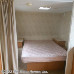 HW Motor Homes, Inc. 2006 Pioneer TRAVEL TRAILER**  Travel Trailer by Fleetwood | Canton, Michigan