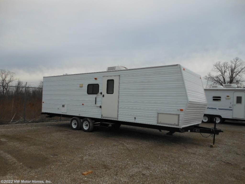 U11983 - 2006 Fleetwood Pioneer TRAVEL TRAILER** for sale in Canton on towlite trailers, newmar trailers, trail lite trailers, dutchmen trailers, everlite trailers, hy-line trailers, hornet trailers, prime time trailers, sunset trail trailers, ultra lite trailers, r vision trailers, sidekick trailers, ultra light trailers, shadow cruiser trailers, forest river trailers, pilgrim trailers, kz trailers, knaus trailers, v-cross trailers, ultra hauler trailers,