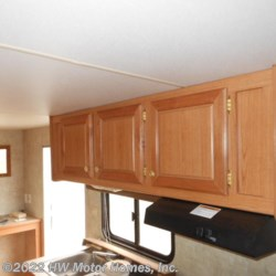 2006 Fleetwood Pioneer TRAVEL TRAILER**  - Travel Trailer Used  in Canton MI For Sale by HW Motor Homes, Inc. call 877-370-6402 today for more info.