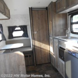 2018 ProLite Lounge  - Travel Trailer New  in Canton MI For Sale by HW Motor Homes, Inc. call 800-334-1535 today for more info.