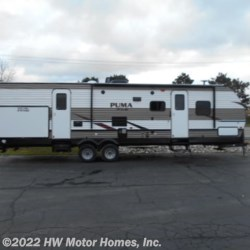 New 2019 Palomino Puma XLE Lite 31BHSC For Sale by HW Motor Homes, Inc. available in Canton, Michigan