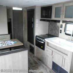 2019 Palomino Puma XLE 22 RBC  - Travel Trailer New  in Canton MI For Sale by HW Motor Homes, Inc. call 800-334-1535 today for more info.