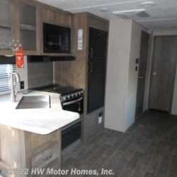 2019 Palomino Puma 29QBSS  - Travel Trailer New  in Canton MI For Sale by HW Motor Homes, Inc. call 800-334-1535 today for more info.
