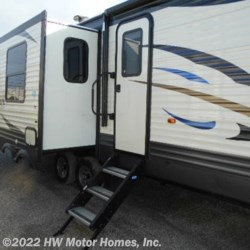 New 2019 Palomino Puma 31RLQS For Sale by HW Motor Homes, Inc. available in Canton, Michigan