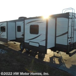 New 2019 Palomino Puma 31FKRK For Sale by HW Motor Homes, Inc. available in Canton, Michigan