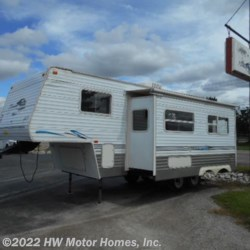 2004 Skyline Nomad 2505  - Fifth Wheel Used  in Canton MI For Sale by HW Motor Homes, Inc. call 800-334-1535 today for more info.