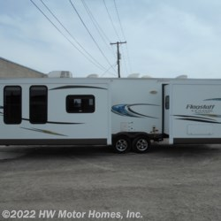 2014 Forest River Flagstaff Classic Super Lite 831FKBSS  - Travel Trailer Used  in Canton MI For Sale by HW Motor Homes, Inc. call 800-334-1535 today for more info.