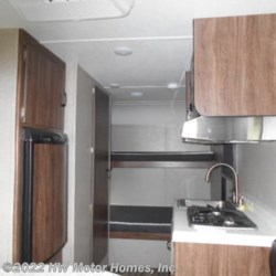 2019 Travel Lite Falcon F - Lite 19 BH  - Travel Trailer New  in Canton MI For Sale by HW Motor Homes, Inc. call 800-334-1535 today for more info.