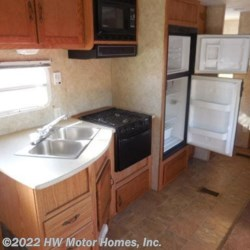 HW Motor Homes, Inc. 2006 Wildwood 29 BHSS Super Slide  Travel Trailer by Forest River | Canton, Michigan