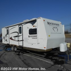 2011 Forest River Rockwood Ultra Lite 2608SS  - Travel Trailer Used  in Canton MI For Sale by HW Motor Homes, Inc. call 800-334-1535 today for more info.