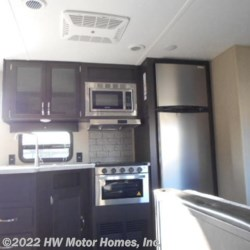 2019 Palomino Puma 32RBFQ  - Travel Trailer New  in Canton MI For Sale by HW Motor Homes, Inc. call 800-334-1535 today for more info.