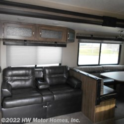 2019 Palomino Puma 31QBBH  - Travel Trailer New  in Canton MI For Sale by HW Motor Homes, Inc. call 800-334-1535 today for more info.