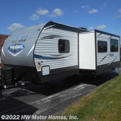 New 2018 Palomino Puma XLE 28 DSBC For Sale by HW Motor Homes, Inc. available in Canton, Michigan