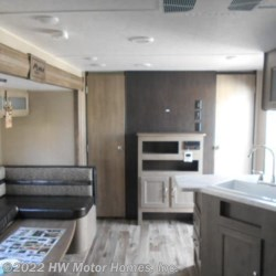 2019 Palomino Puma XLE Lite 24BHC  - Travel Trailer New  in Canton MI For Sale by HW Motor Homes, Inc. call 800-334-1535 today for more info.